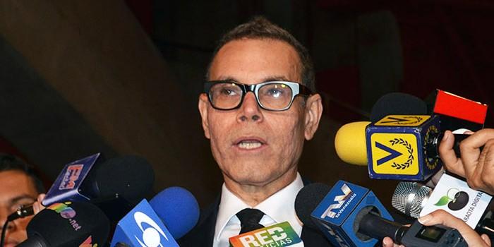 Luis Vicente León ofrece al Gobierno las claves para salir de la crisis