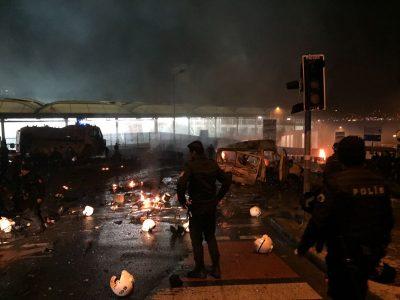 Estalla coche bomba en Estambul, cerca del estadio del Besiktas (Fotos+Video)