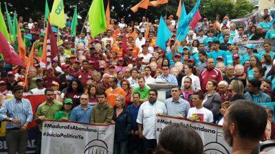 """Exhortan a la AN retomar """"juicio político"""" contra el presidente Maduro"""