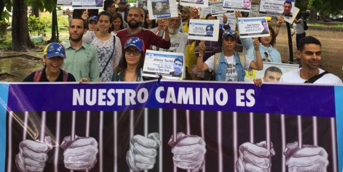 FOTOS  ONG's y familiares de presos políticos marcharon por el Día de los DDHH