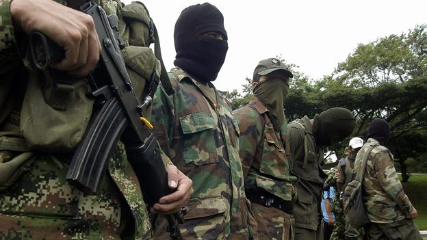 "Farc denuncian presencia ""paramilitar"" en zona de Colombia donde se concentrarán"